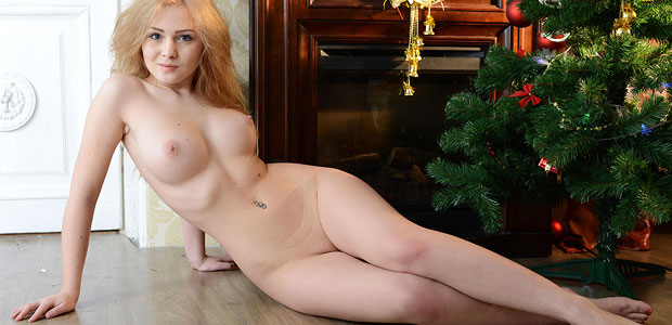 Domai Gerda is nude and adorable